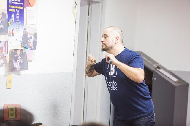 Gonzalo Bardo Científico Colegio Bilingüe