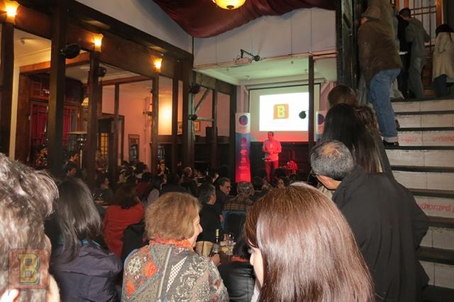 William Bardo Científico gira chile Santiago Peluquería Francesa