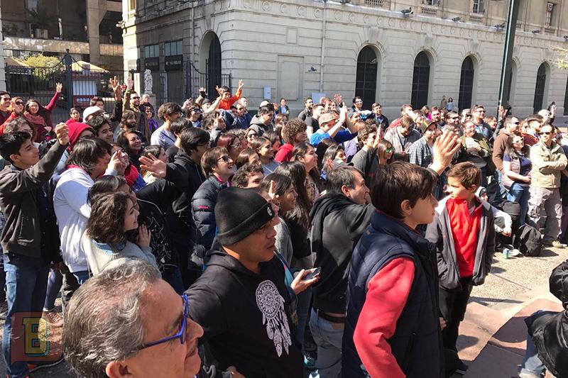Bardo Científico gira chile Odeón plaza de Armas Santiago