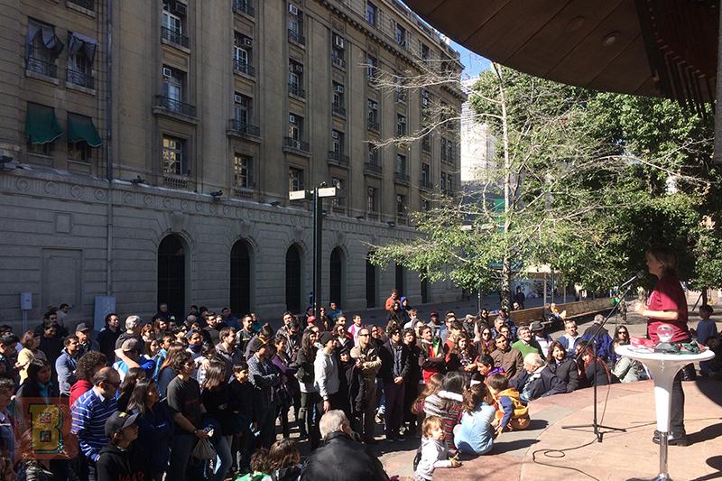 Daniela Bardo Científico gira chile Odeón plaza de Armas Santiago